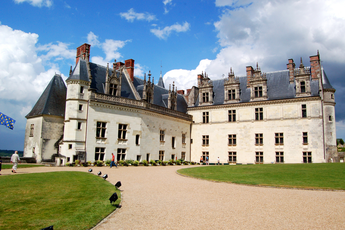 An Idyllic Stay In The Loire Valley Dreamstime Xl 5337179